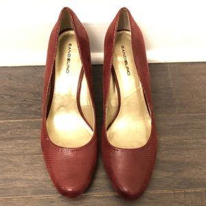 Bandolino Deep Red Snakeskin Croc Print Heels